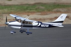 FMS 1400mm Sky Trainer 182 (5CH with Flap) AT BLUE RTF